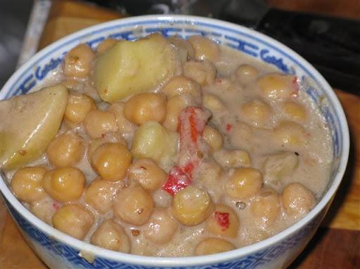 Kichererbsen mit Massaman-Currypaste