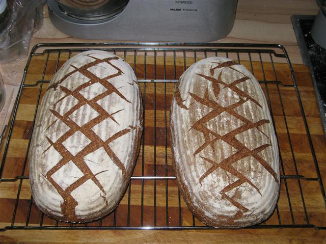 Rustikales 5-Korn-Brot mit Sauerteig