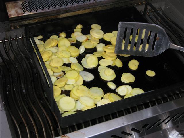 Große Pfanne Für Gasgrill : Bratkartoffeln vom gasgrill das leben ist schön