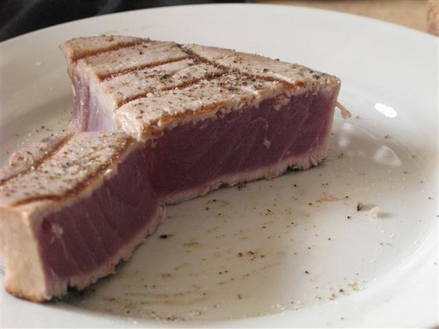 Karfreitagsgrillen – Thunfischsteak vom Gasgrill