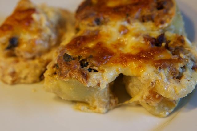 Waldpilz-Canneloni mit Käse-Zwiebel-Bechamel