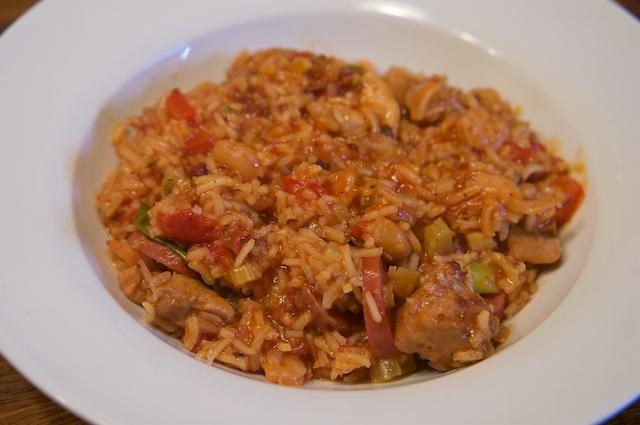 Jambalaya mit Hühnchen, Shrimps und Wurst
