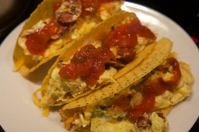 Gefüllte Tacos zum Frühstück