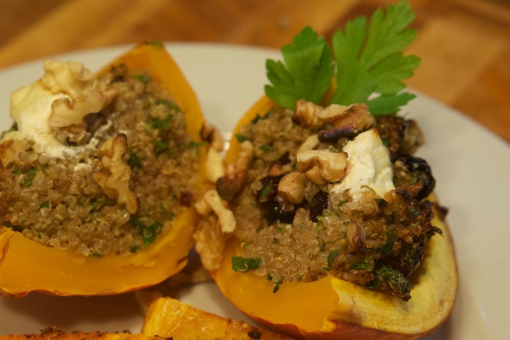 Gefüllter Hokkaido mit fruchtigem Quinoa - Das Leben ist schön